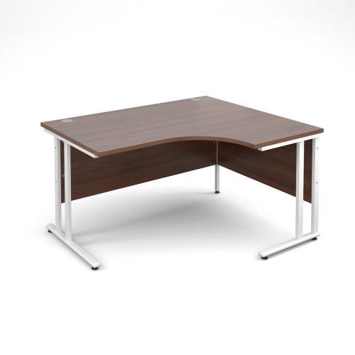 Maestro 25 WL right hand ergonomic desk 1400mm - white cantilever frame, walnut top