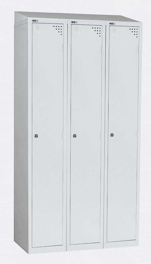 Triple Sloping Top Grey, For Use With Nest Of Three 305W X 457D Lockers, Grey
