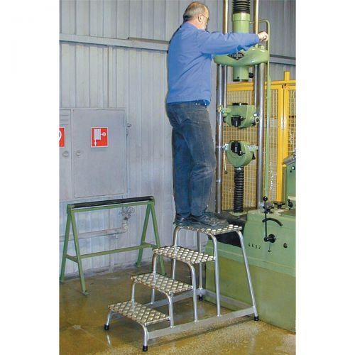 Image for Platform Light Duty Slip Resistant Aluminium 1 Tread W520xD305xH200mm