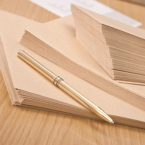 New Guardian Envelopes Lightweight 98x67mm Pocket Gummed 80gsm Manilla Ref M24011 [Pack 2000]